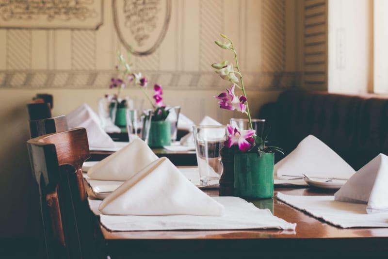 dinner-table-set